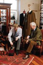 ... skönt att sitta en stund och njuta av lugnet på Fiskars... I vår butik  i Fiskars hittar Ni högklassiga kläder och accessoirer för både damer och  herrar. db8e04b95c74d